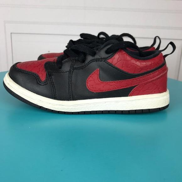 1bce5b3efa860d Kids Retro Jordan 1 Nike Low Top Sneaker Boys 10C.  M 5bc4df403c9844121e065250